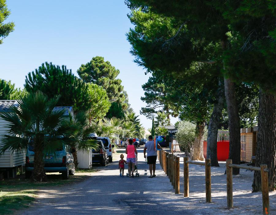 Promenade dans le camping familiale