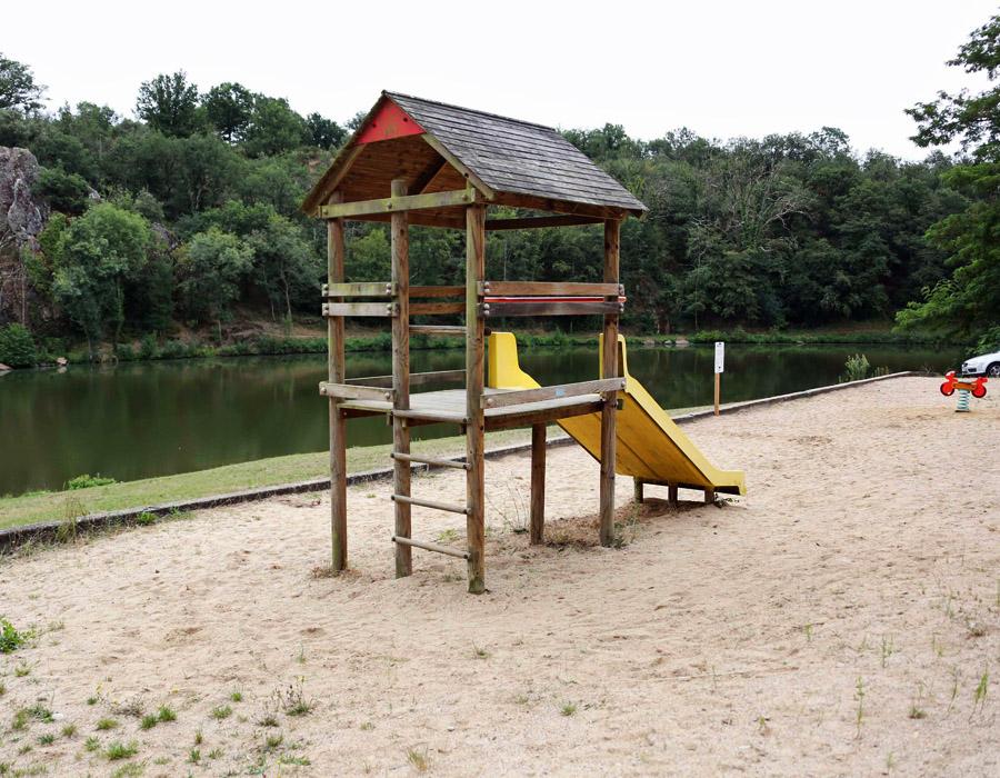 aire-de-jeux-camping-lac-hautibus