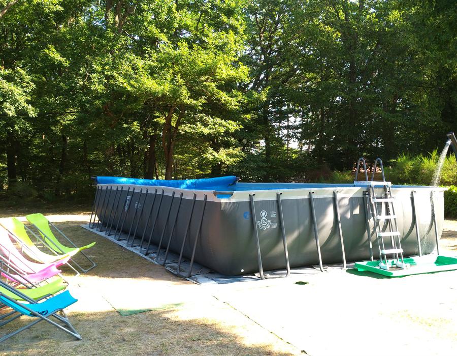 camping-avec-piscine-loiret-etang-de-la-vallee-espace-camping
