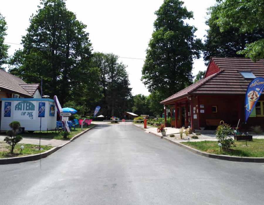 camping-etang-de-la-vallee-combreux-loiret-espace-camping